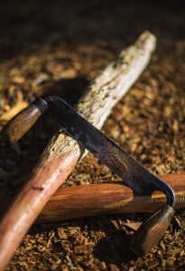 Read more about the article Using a drawknife to transform wood